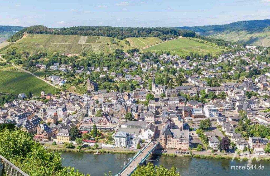Traben-Trarbach Panorama von der Grevenburg.