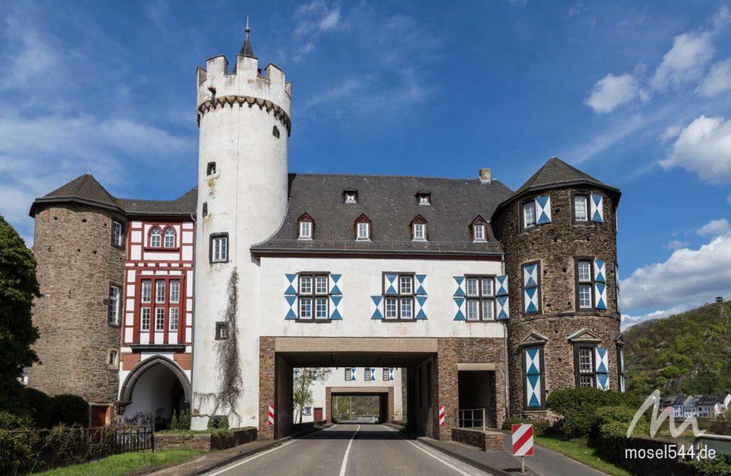 Vorburg Schloss von der Leyen in Gondorf